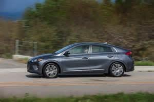 Hyundai Hybrid Review 2017 Hyundai Ioniq Hybrid Review Autoevolution