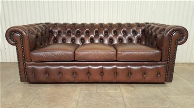 moran leather couch vintage moran leather chesterfield 3 seater couch lounge