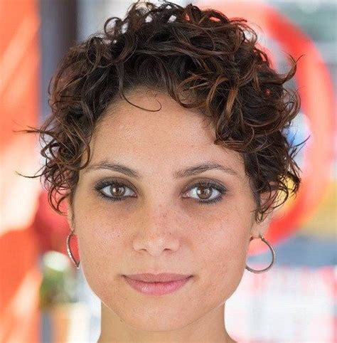 best hairstyles for square face curly hair 602 best hairstyles for square faces images on pinterest