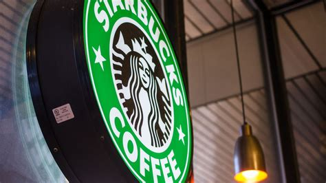 starbucks tattoo policy starbucks baristas can now reveal their tattoos on the