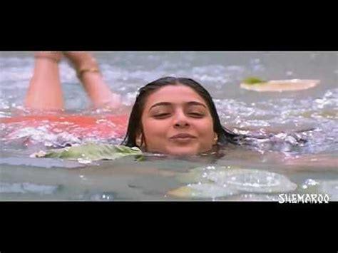 lakshmi rai bathing scene santhanam comedy in her room youtube beautiful mirrors movie bathroom sridevi bath scene padaharella vayasu telugu movie