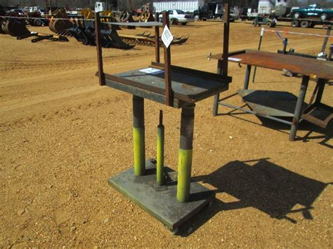 hydraulic work bench 1 20 quot x 30 quot steel hydraulic work bench
