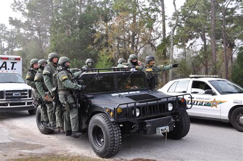 Hcso Warrant Search Ta Bay Bomb Squad Called In Due To Suspicion Of Explosives Hernando Sun