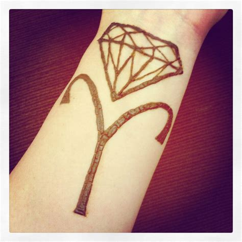 henna tattoo diamond and aries zodiac symbol henna tattoos