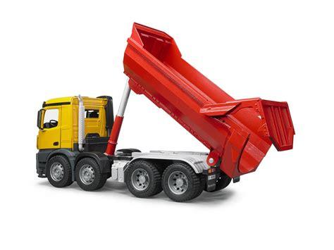 bruder toys mercedes bruder mercedes trash truck