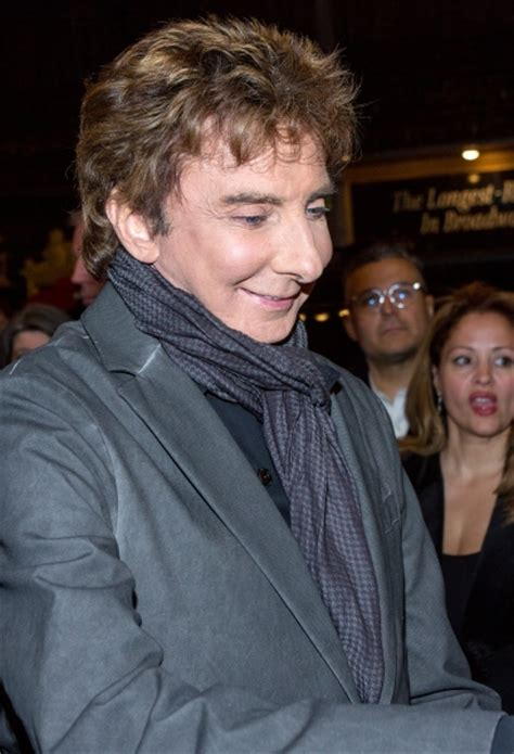 barry manilow fan photo coverage barry manilow greets fans at manilow on