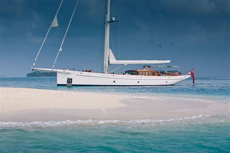 caribbean yacht charter complete  guide charterworld