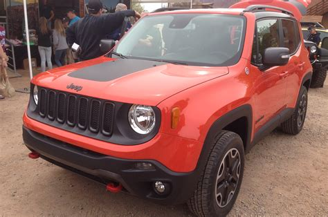 safari jeep front 2015 jeep renegade front view 320610 photo 30 trucktrend com