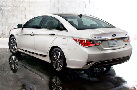 2015 hyundai sonata hybrid reviews specs and prices 2015 hyundai sonata hybrid reviews and rating motor trend