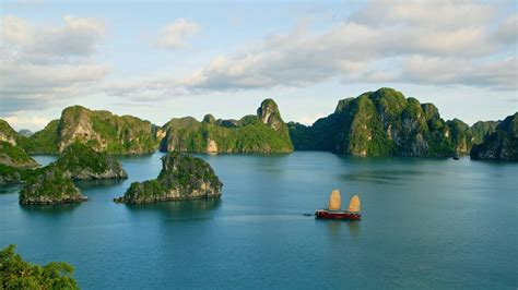 free wallpaper vietnam download ha long bay wallpapers most beautiful places in