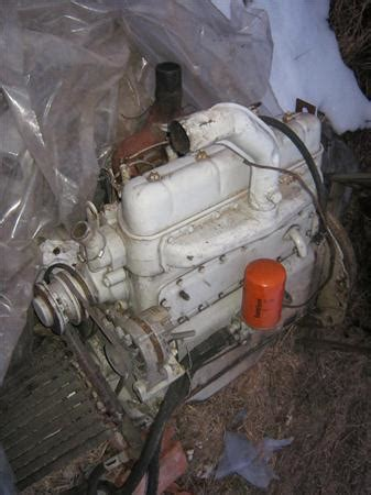 vand motor tractor  anunt