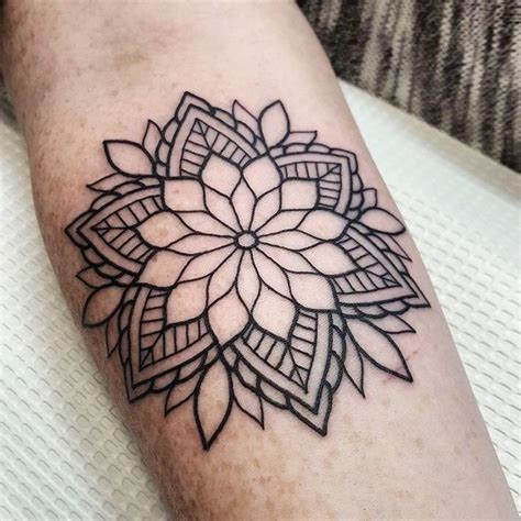 tattoo mandala mini myndani 240 ursta 240 a fyrir mandala tattoo mommy tattoos