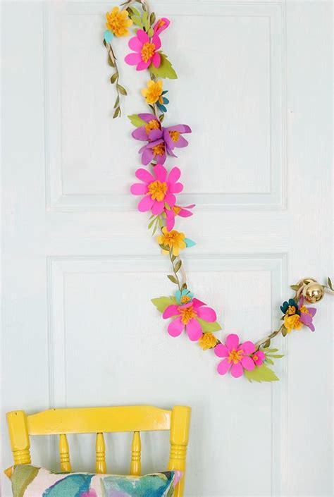 paper hanging crafts best 25 flower garlands ideas on paper flower