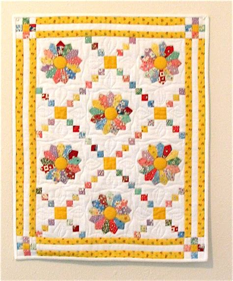 Dresden Plate Quilt Pattern by Apple Avenue Quilts September S Mini