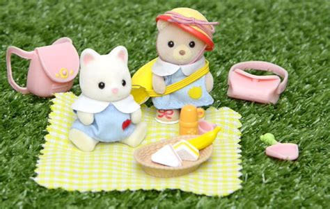 Sylvanian Families Nursery Picnic Set sylvanian families calico critters nursery picnic set and