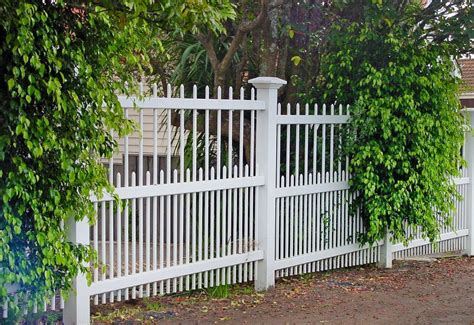 colonial fence wooden gates fences driveway gates wooden