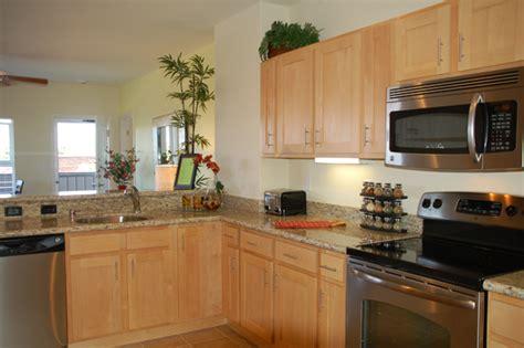 natural maple cabinets with st cecilia granite countertop