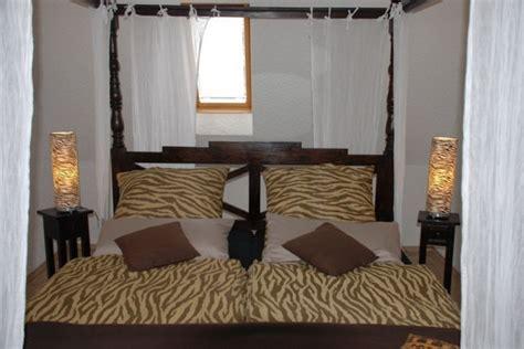 schlafzimmer gemütlich einrichten schlafzimmer afrikanisch einrichten speyeder net