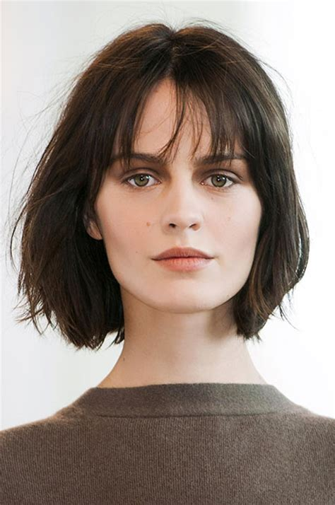 nice hairstyle for short medium hair with one hair band 25 nice short straight hairstyles with bangs short