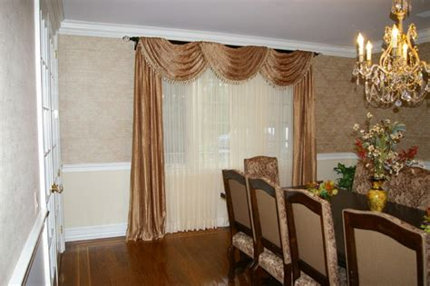 Dining Room Window Curtains Decor Formal Dining Room Window Treatment Traditional Dining Room New York By Flooring