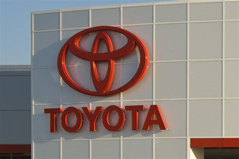 toyota opens  product quality field offices  bolster image address customer concerns