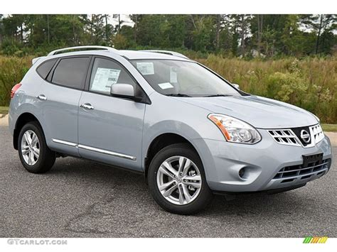 brilliant silver 2013 nissan rogue sv exterior photo