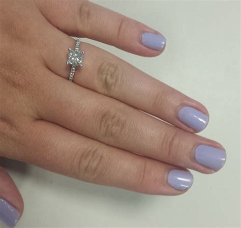 what color should be what color should i paint my nails with my gemstone ering