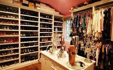 o closet de sapato das famosas wepick
