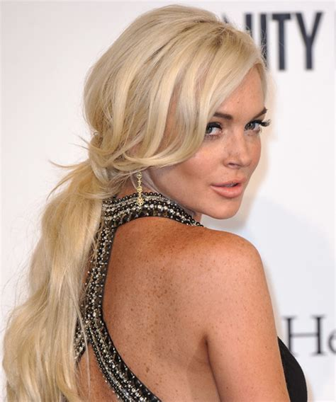 lindsay lohan with medium ash blonde hair very long and curly source hairstyles7 net lindsay lohan updo long straight casual wedding updo