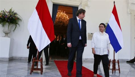 Belanda Netherland 2 2013 Komemoratif indonesia and the netherlands invest in a joint future