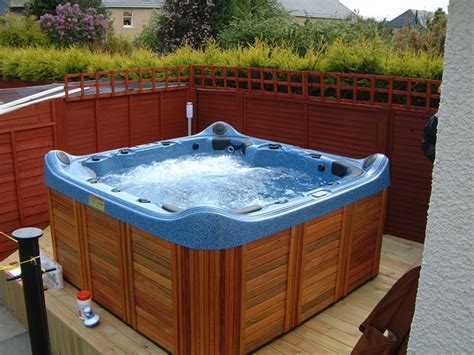 bathtub hot hot tub jacuzzi garden spa
