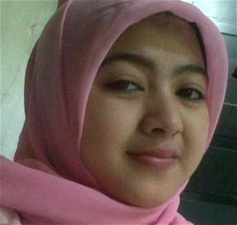 Foto Bugiil Berjilbab   foto cewek cantik berjilbab hijab pinterest