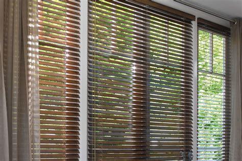 houten jaloezieen prijs luxaflex houten jaloezie 235 n de projectinrichter