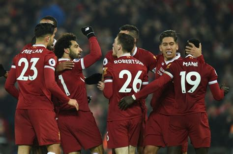new year parade liverpool 2018 angleterre liverpool renverse manchester city dans un