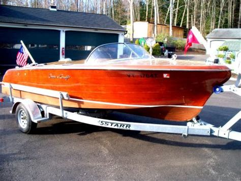 chris craft boats for sale by owner boats for sale 1955 19 foot chris craft capri