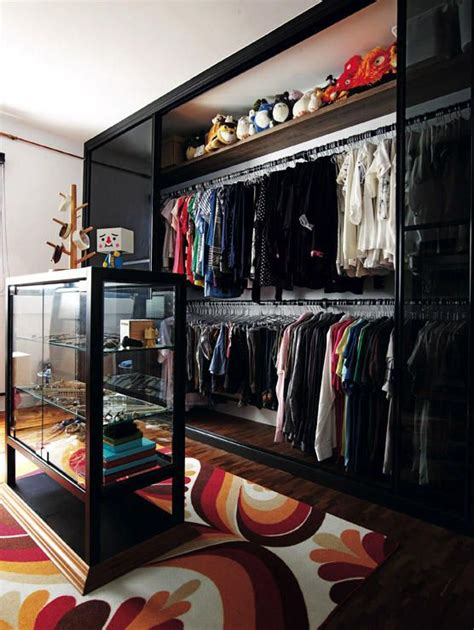 Walk In Wardrobe Hdb by 7 Hdb Walk In Wardrobes Home Decor Singapore Home