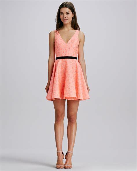 Dress Vita Merah 1 dolce vita neon tapestry dress in neon coral lyst
