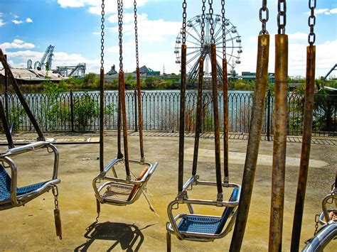 six flags swing creepy crusty crumbling illegal tour of abandoned six