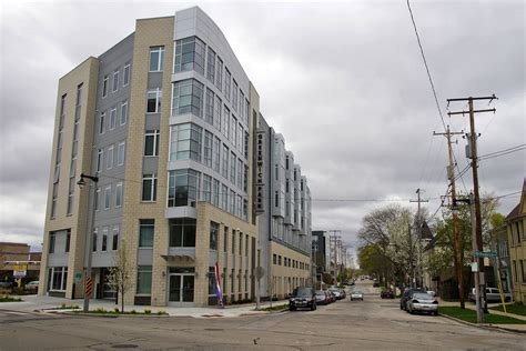Johnston Apartments Milwaukee Greenwich Park Apartments Offers Solution To Housing