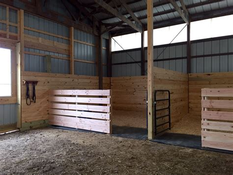 schuur ideeen easy inexpensive horse stalls at the end of an arena til i