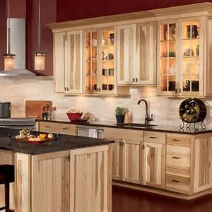 Hickory Kitchen Cabinets by Best 25 Hickory Cabinets Ideas On Pinterest Hickory
