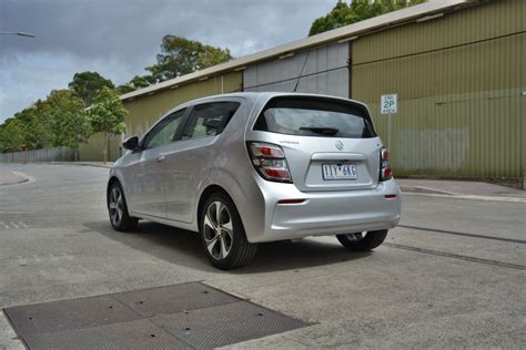 holden barina tk review holden barina lt reviews overview goauto