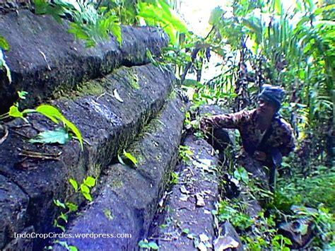 Situs Gunung Padang Misteri Dan Arkeologi wah ada lagi mirip gunung padang misterius di cilacap mysterious thing conspiracy