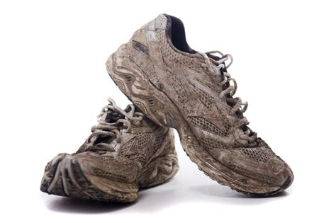 how to shoes for mud run how to get mud out of white mesh shoes livestrong
