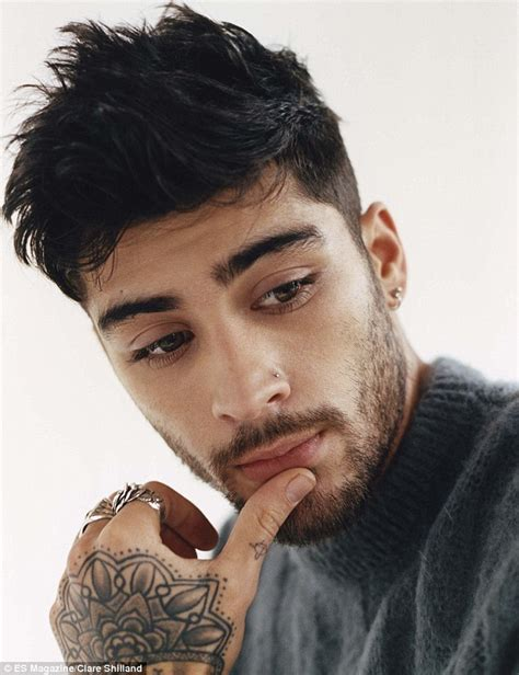 zayn malik zayn malik reveals he lives with gigi hadid and to cook for daily mail