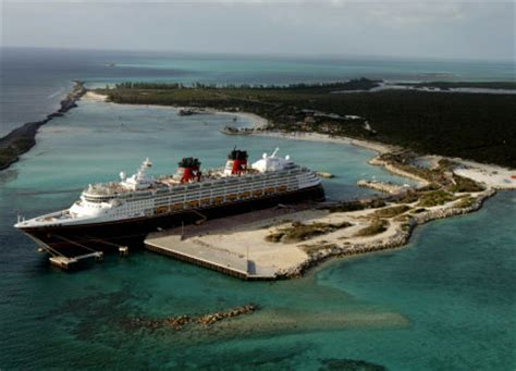 cruise ship disney fantasy : picture, data, facilities and