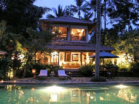 Bali Polkadot villa ria sayan bali polka dot