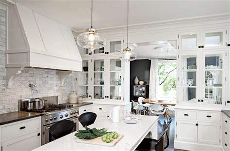 White Kitchen Cabinets With Black Hardware by White Kitchen Cabinets With Black Hardware Quicua Com