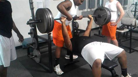 average 16 year old bench press old bench press 28 images build more chest muscle in
