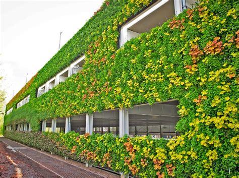 les   beaux murs vegetalises du monde page  sur